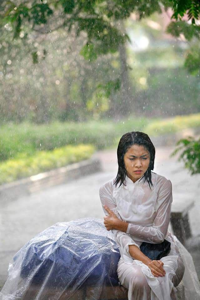 asian-girls-with-wet-clothes