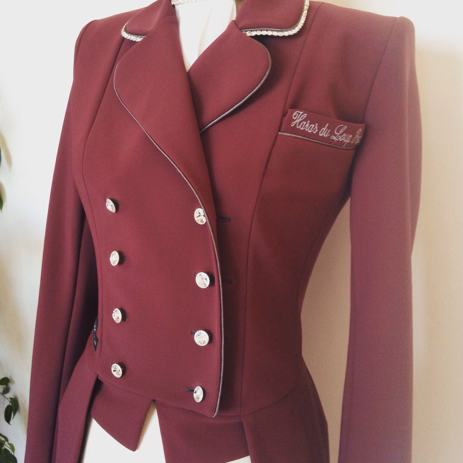 Cavalleria toscana veste concours bordeaux
