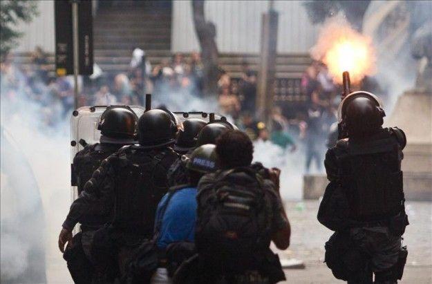 Policía antidisturbios de Río intensifica su preparación para el Mundial