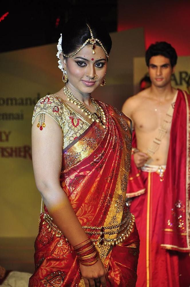 Tamil Actress Sneha In A Beautiful Bridal Double Shaded Pattusaree