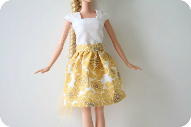 Patterns for barbie clothes :)