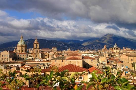 Palermo skyline from ambasciatori roof top terrace for Monolocale palermo affitto arredato