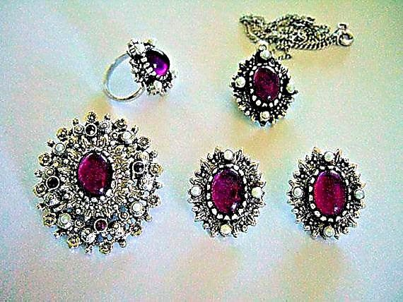 Elegant mothers day gift for her glamorous silver sarah coventry designer vintage jewelry sarah coventry catherine 5 piece parure 1973 pendant necklace brooch pendant earrings finger ring all signed aloadofball