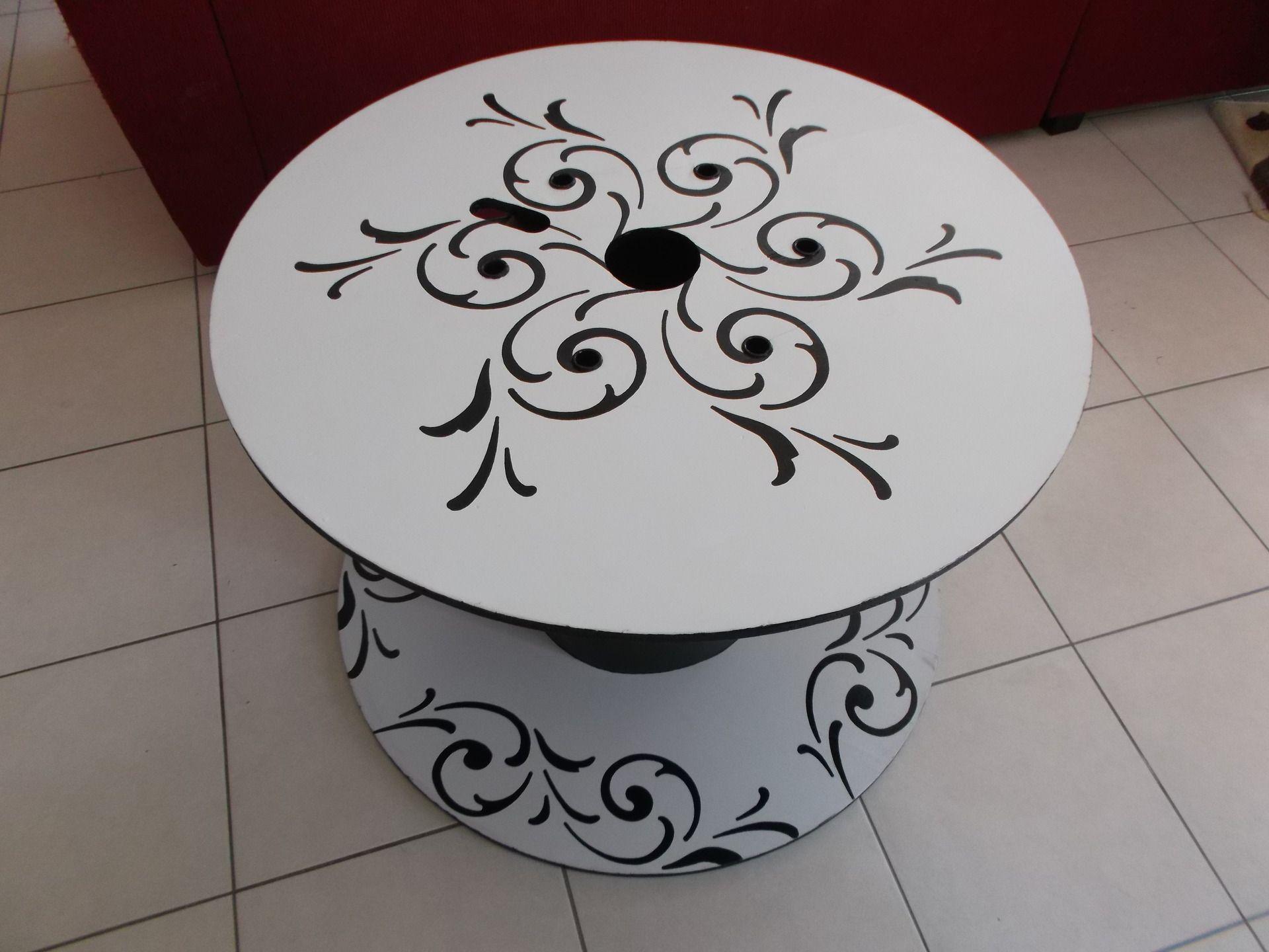 table basse ronde bobine de chantier r versible r cup et brico bois pinterest tables. Black Bedroom Furniture Sets. Home Design Ideas