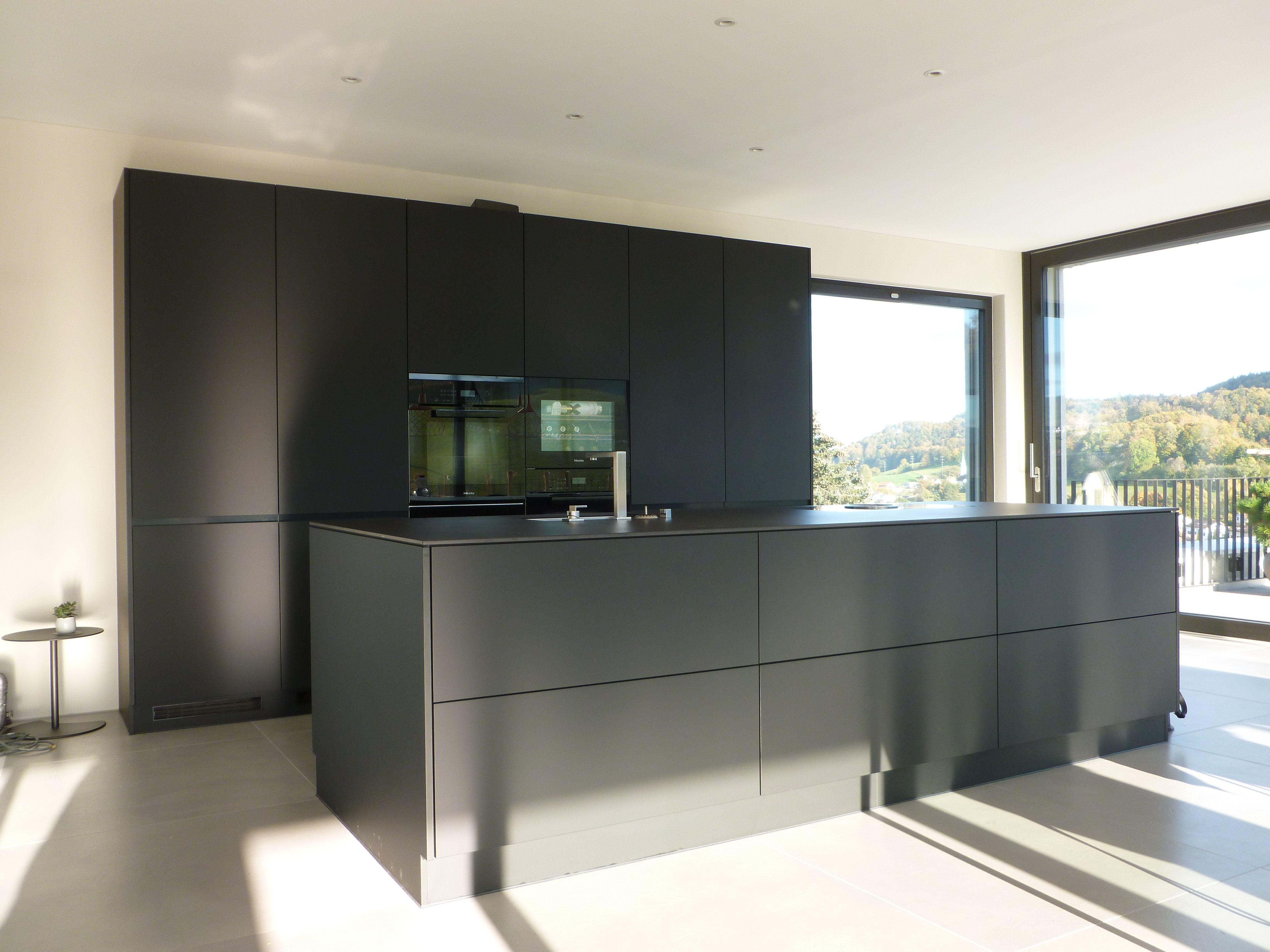 Luxusküche mit Top - Küchenapparate   kitchens in 2019 ...