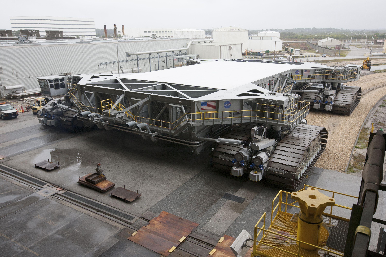 Crawlertransporter 2 Undergoes Roller Bearing Assembly