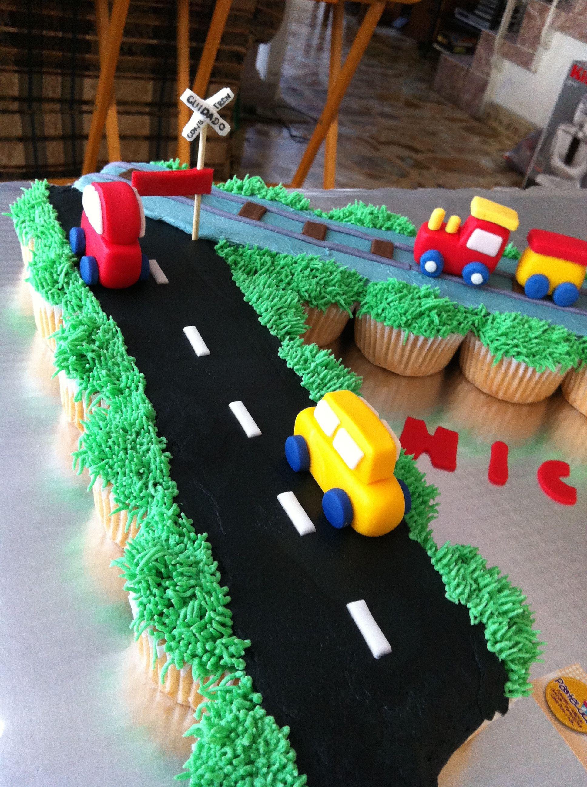 Ways of transportation cake cars train airplane Lo ltimo