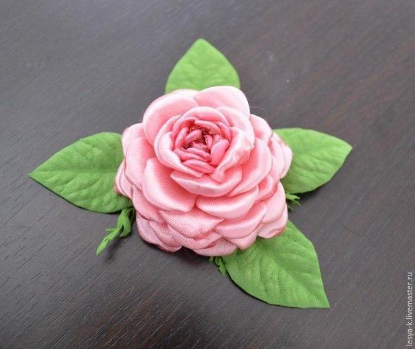 Aprende cómo hacer rosas de listón y muchas más con estos tutoriales