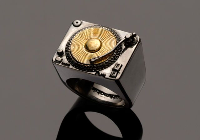 record player ring. Awesome :)