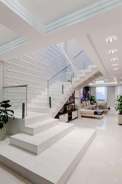 Resid ncia zona norte corredores e halls de entrada por for Curso de decoracion de interiores zona norte