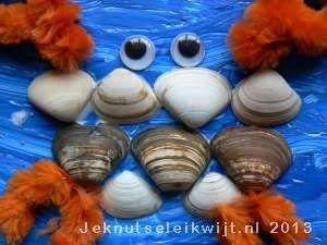 Krab knutselen van schelpjes