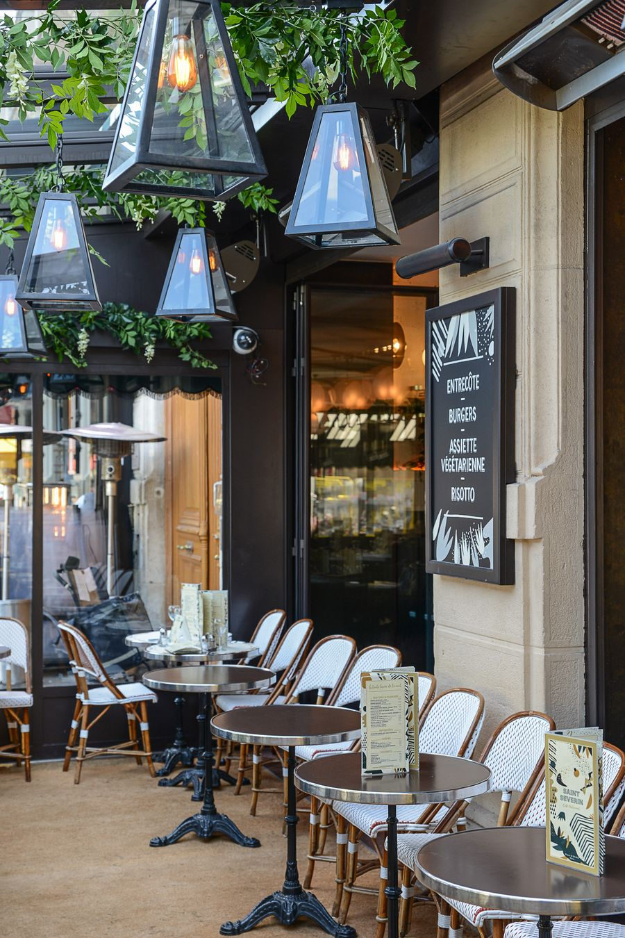 Mobilier Terrasse Restaurant Credit Anthony Cottarel Brasserie Saint Severin Paris Decoration