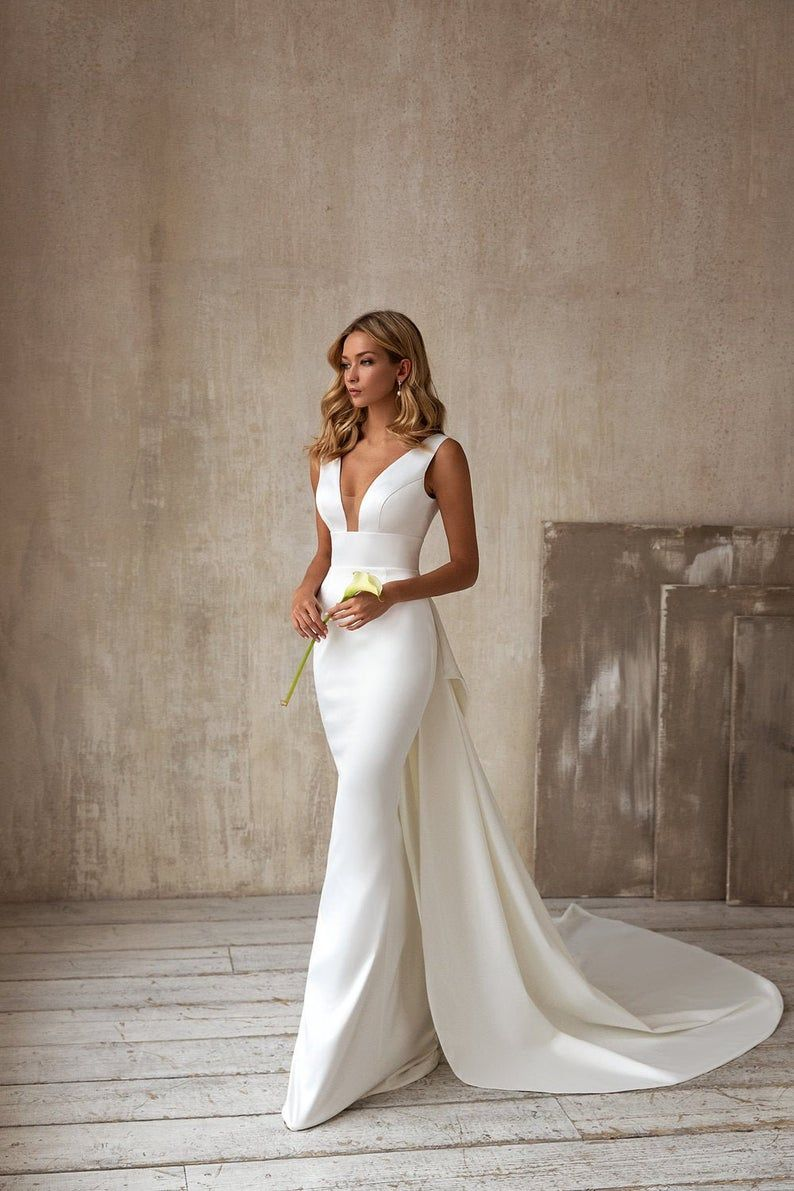 Wedding Dress, Graceful Backless Mermaid V-neck, 2
