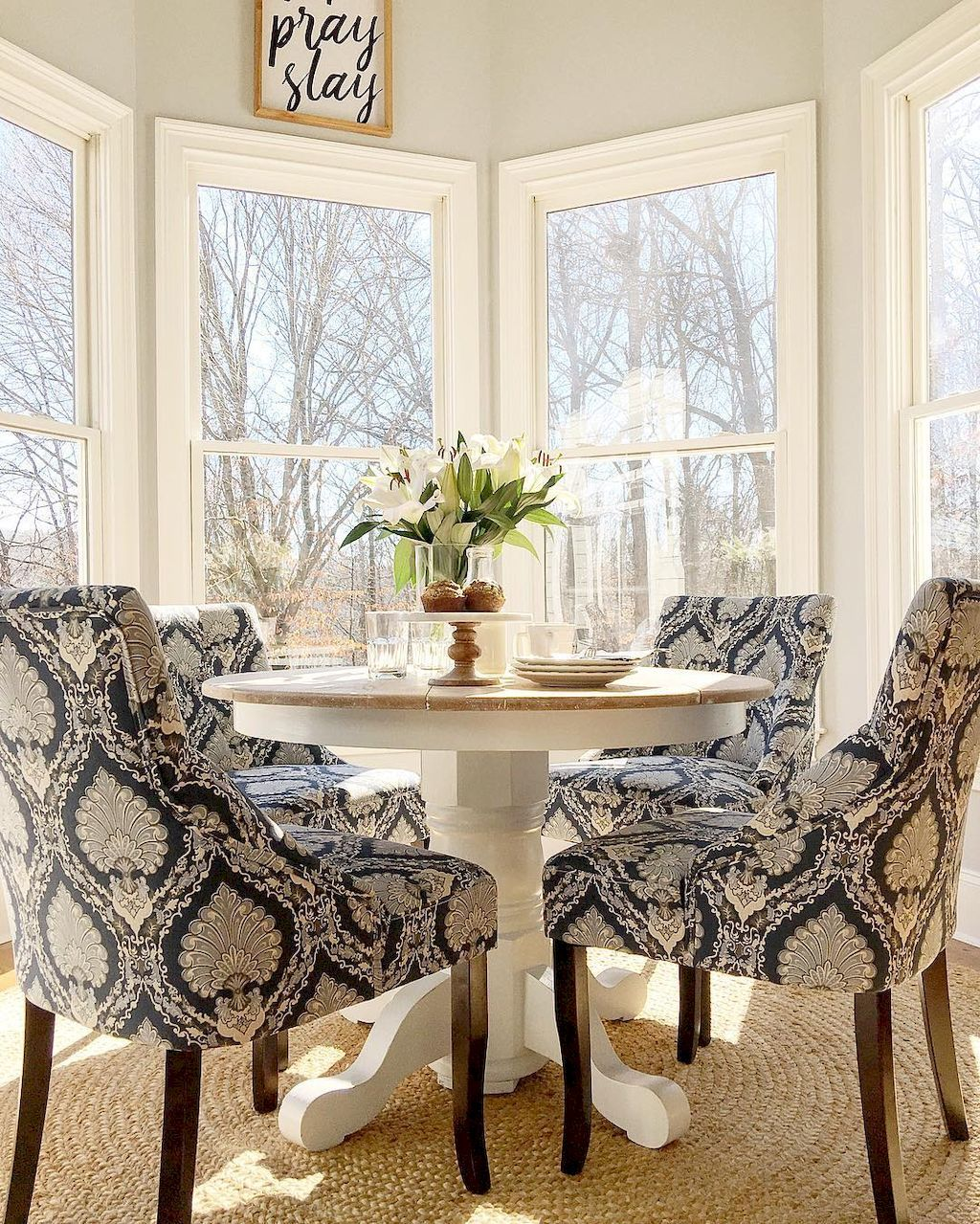 65 Clever Small Dining Room Ideas Homevialand Com Dining Room Small Small Dining Room Table Breakfast Nook Table