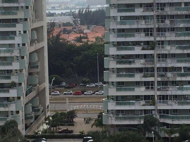 Ocorrência causou trânsito na Barra da Tijuca (Foto: Matheus Guerra / Arquivo Pessoal)