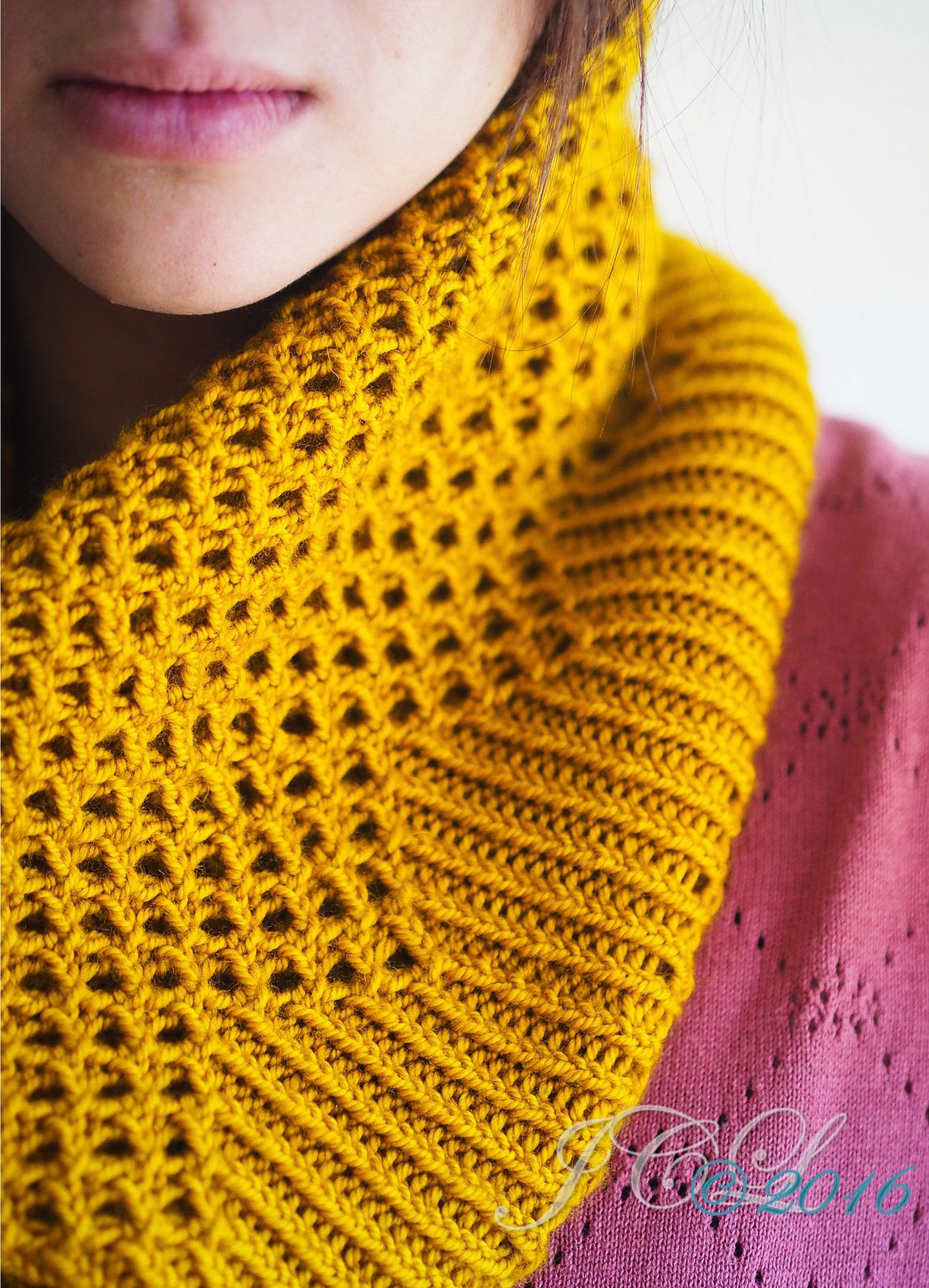 Easy Knitting Pattern for Mendia Cowl - Easy cowl features an eyelet ...
