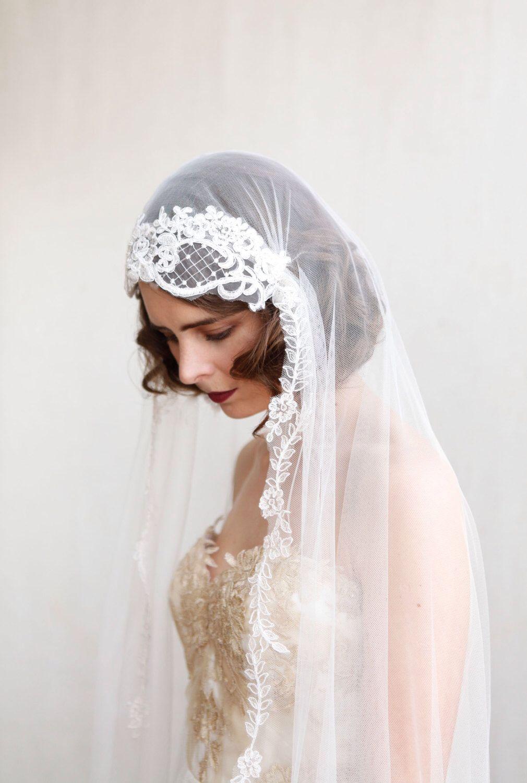 1920s Wedding veil - Ivory chapel length veil, Art Deco Wedding Veil ...