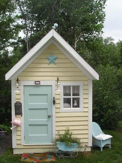 Playing House 20 Petite Houses To Inspire Play Houses Backyard Playhouse Playhouse Outdoor