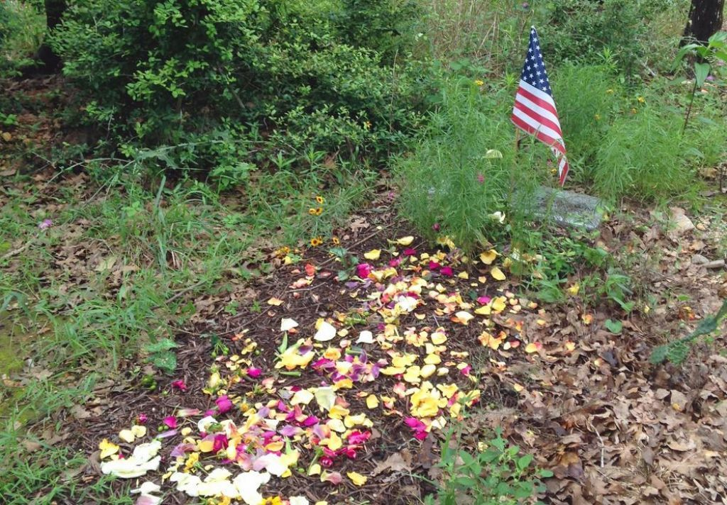 Eloise Woods, Austin-area 'green' cemetery, allows loved
