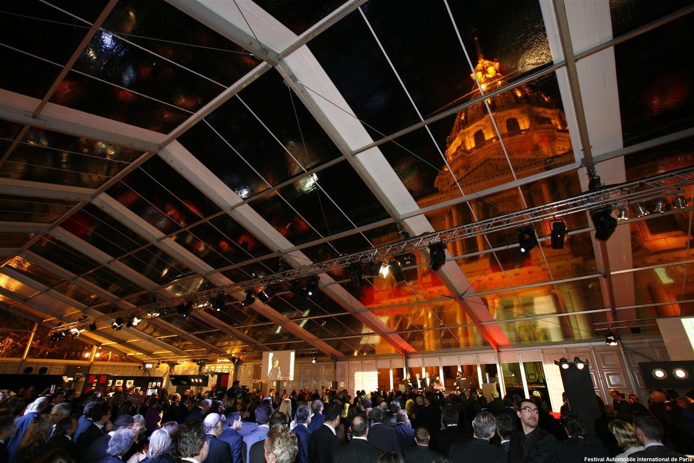 Innenfarben für die halle diese jumbohalle mit verglastem dach dient als mobile eventlocation