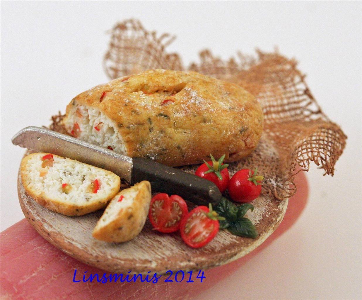 The Mini Food Blog: Tomato Basil Bread ~ Linda Cummings