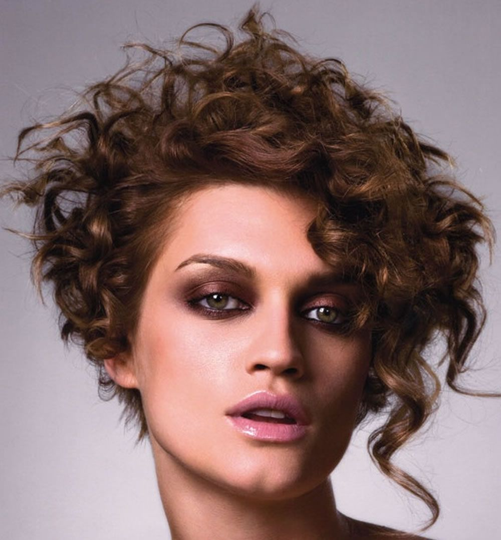 Asymmetrische Bob Haarschnitt für feines Haar