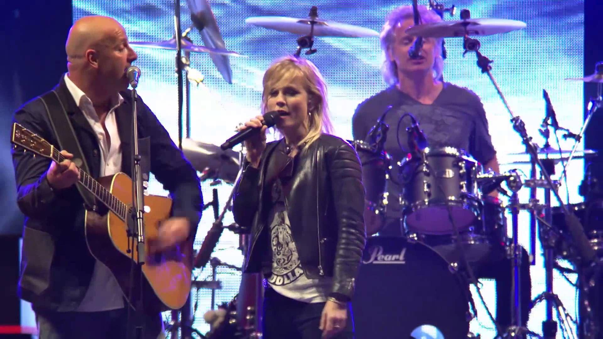BLØF & Ilse DeLange - Open Je Ogen (Live @ Concert at SEA 2014)