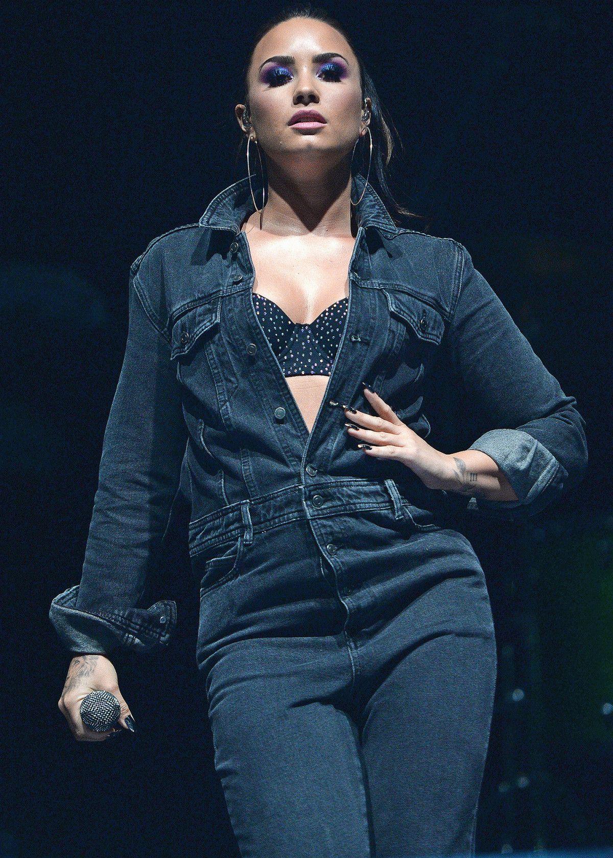 3d9a0b1495b7 Demi Lovato
