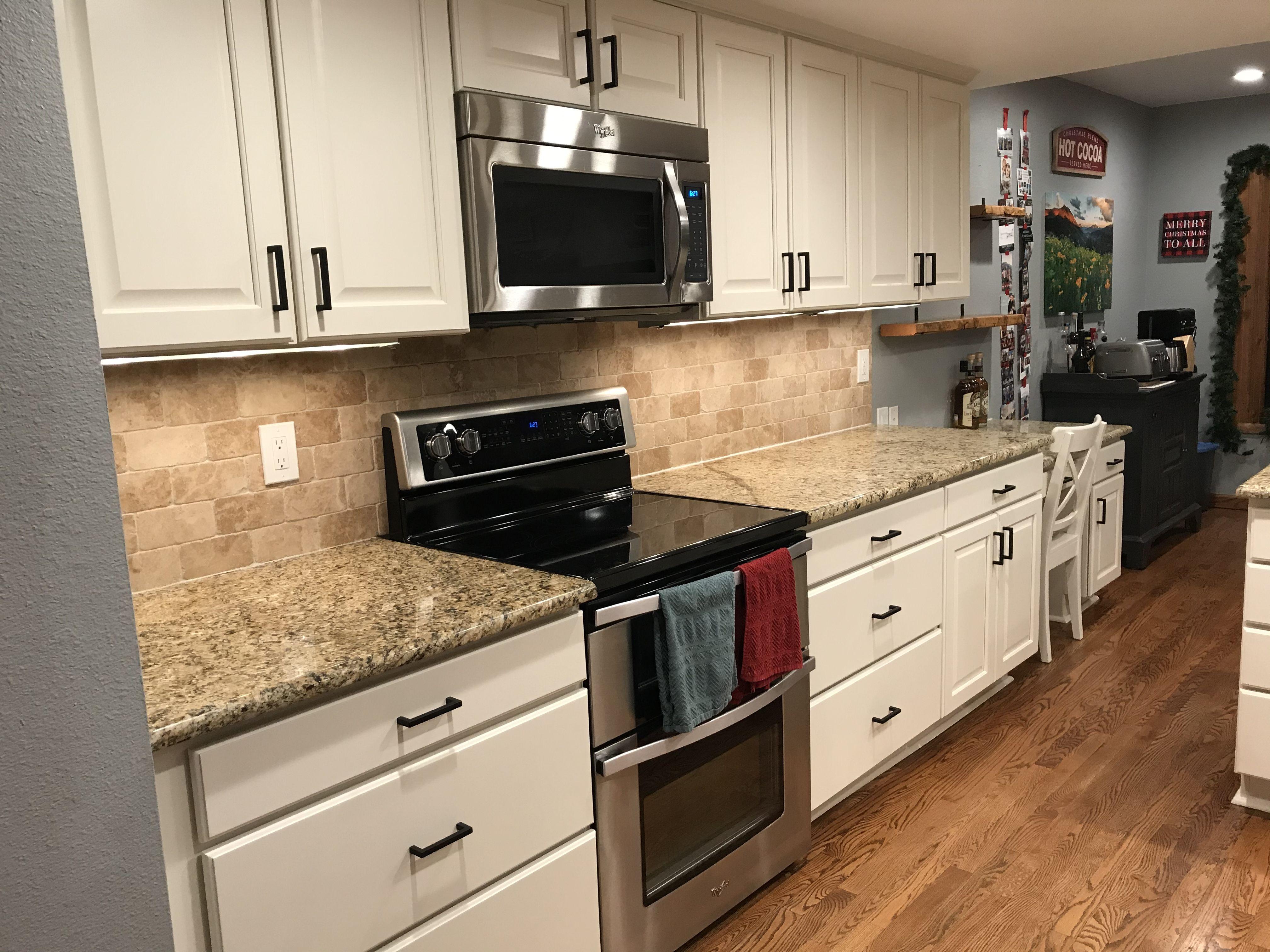 Annie Sloan Original White In 2020 Kitchen Cabinets Kitchen Annie Sloan Original White