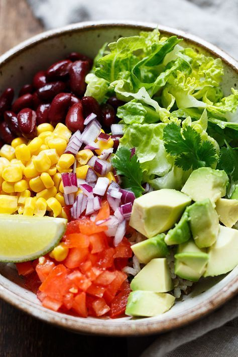 Veggie Burrito Bowl (Super einfach!) - Kochkarussell
