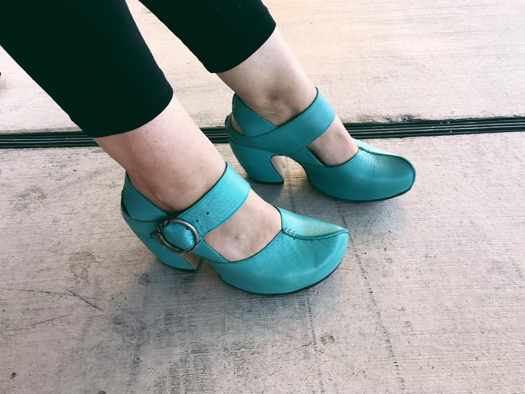 No, you're weird. 💕💅🏻💕 @fluevog  #vogs #vog_guide #teal #vogon #fluevog #shoegame #shoes #fashion #womansfashion #ootd #style #photooftheday #Chicago #vsco #vscocam