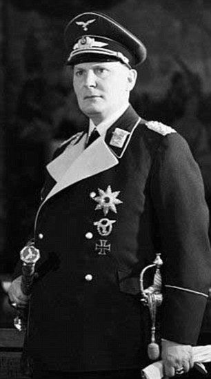 Hermann Goering Ww2 A formal portrait of R...
