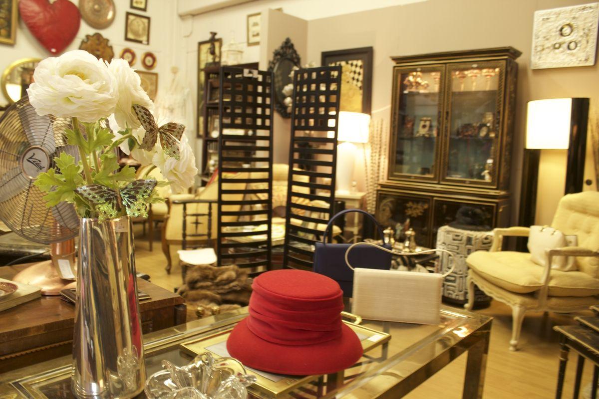 Sombrero, florero, biombo, estilo oriental Rincón de la tienda Las ...