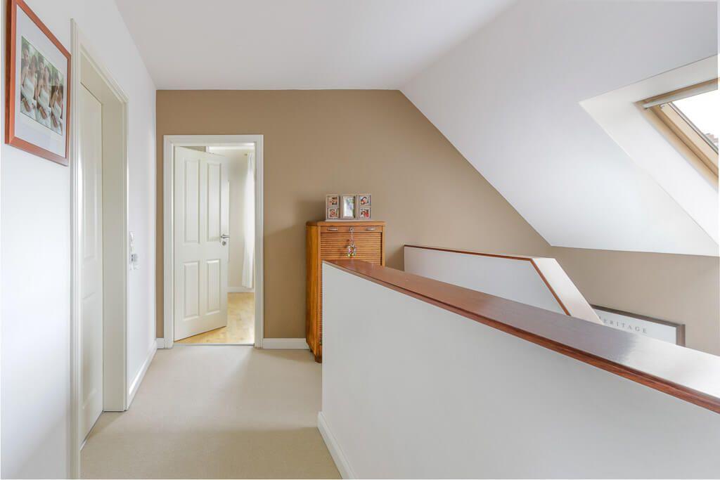 treppengel nder gemauert mit handlauf aus holz architektur detail haus eco giebelhaus hamburg. Black Bedroom Furniture Sets. Home Design Ideas