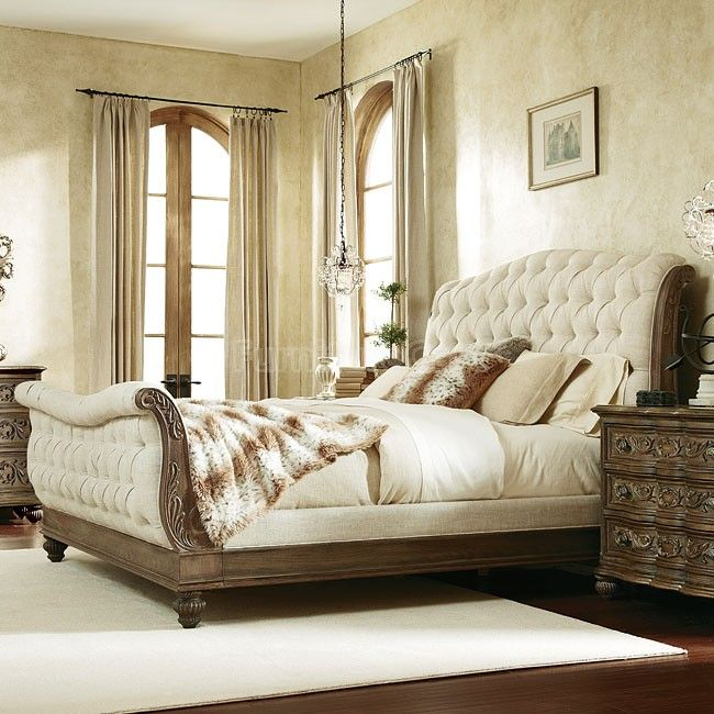 Jessica McClintock The Boutique Sleigh Bed (Baroque) In