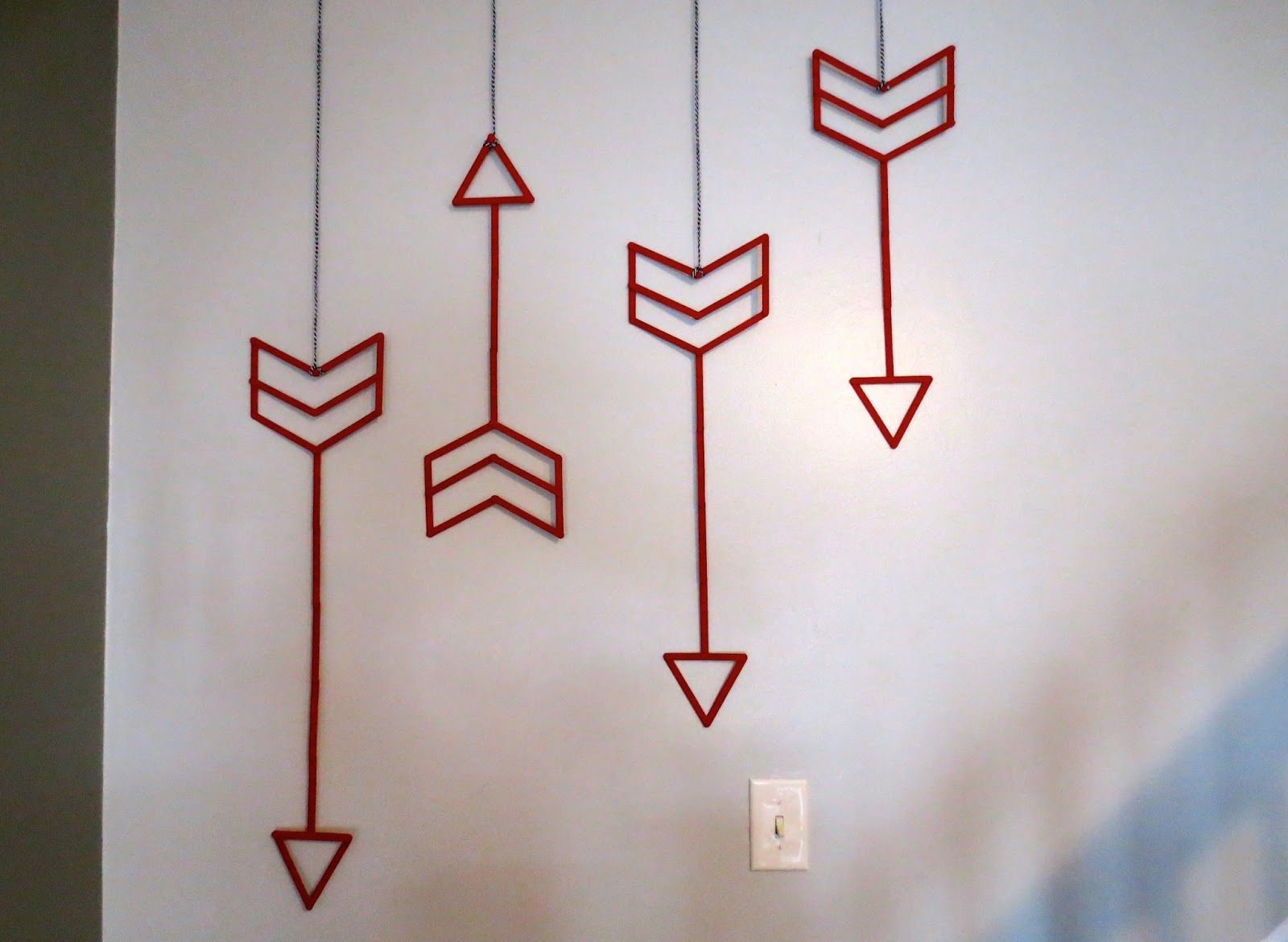 Delightful Best 12 Easy And Inexpensive Wall Art Ideas : Easy And Inexpensive Red Four  Dart Wall
