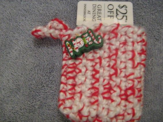 Crochet Gift Card Holder Ornament by craftheart on Etsy, $3.00