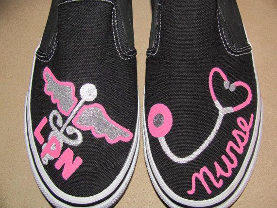 Best White Shoes For Nursing School