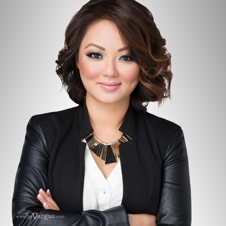 Portraits Of Real Estate Professionals Vargas Creative Group Inc Real Estate Headshot Headshots Women Headshots Professional
