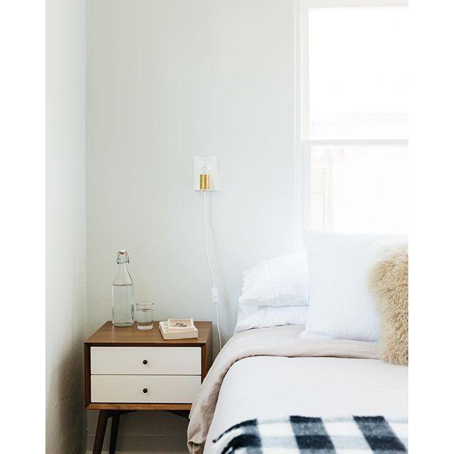 Dunn Edwards Paints Paint Color Distant Cloud Dew370 Bedroom Inspiration Pinterest