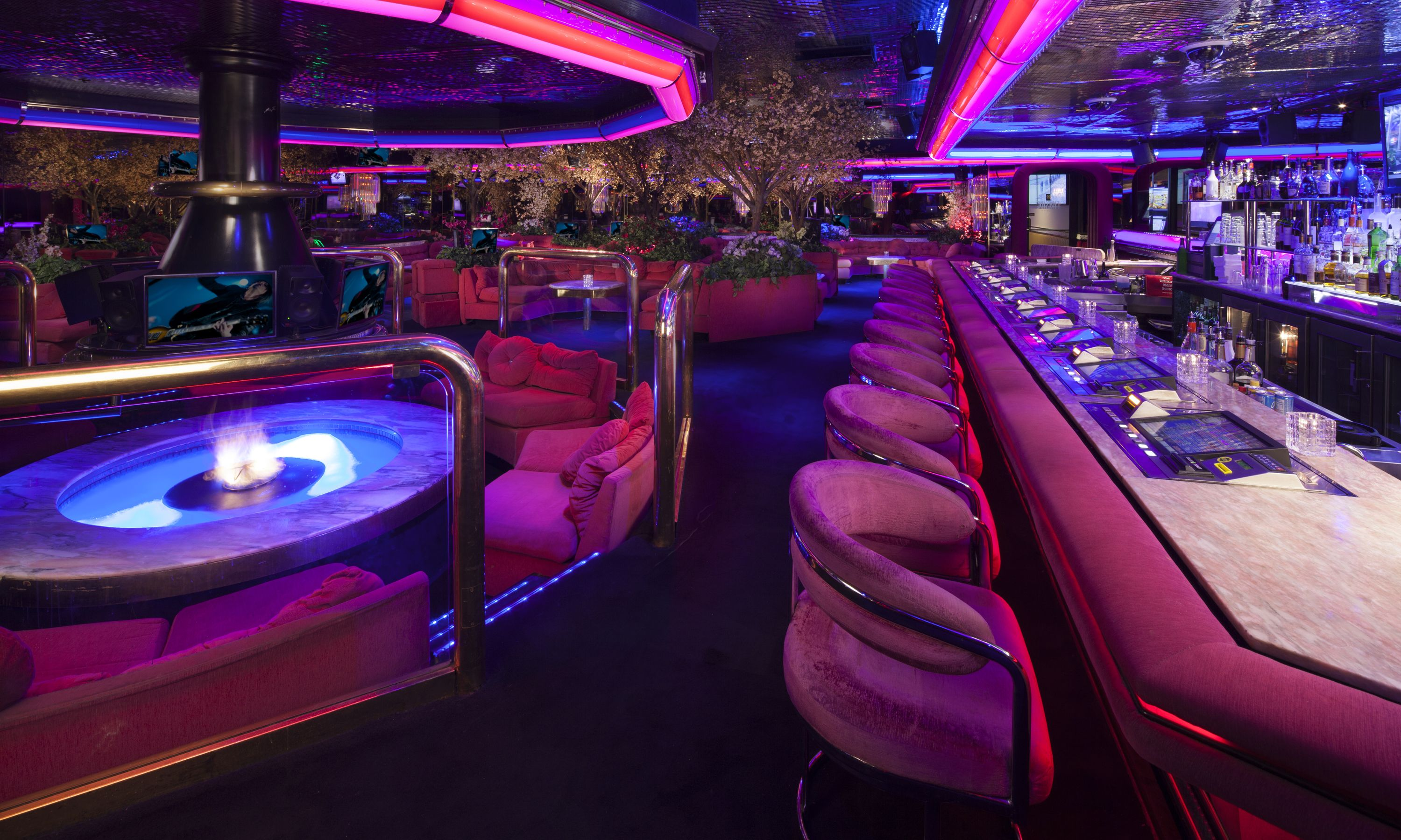 Join Us In Renos Hippest Classic Casino Lounge For Happy