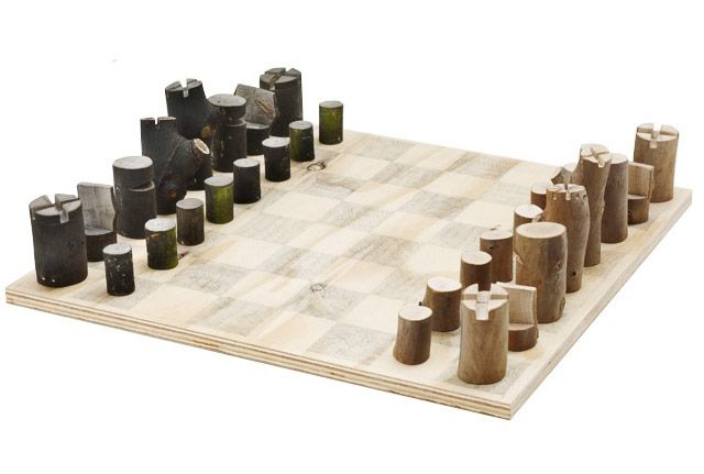 Log Chess Set by Peter Marigold this might actually get me to