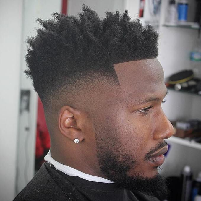 Taglio capelli uomo nero