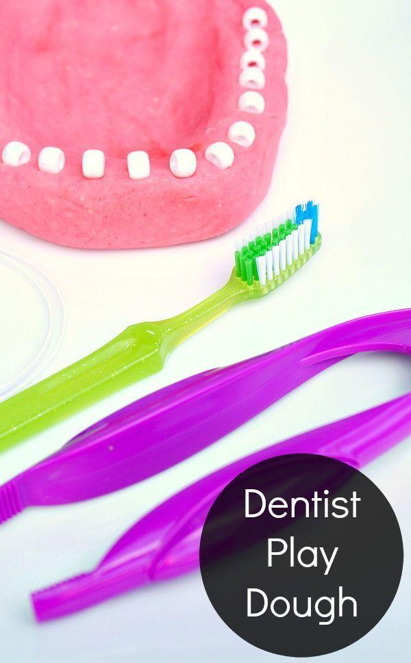 Zahnarzt-Spiel-Teig täuschen Spiel vor   – PRESCHOOL DENTAL HEALTH THEME