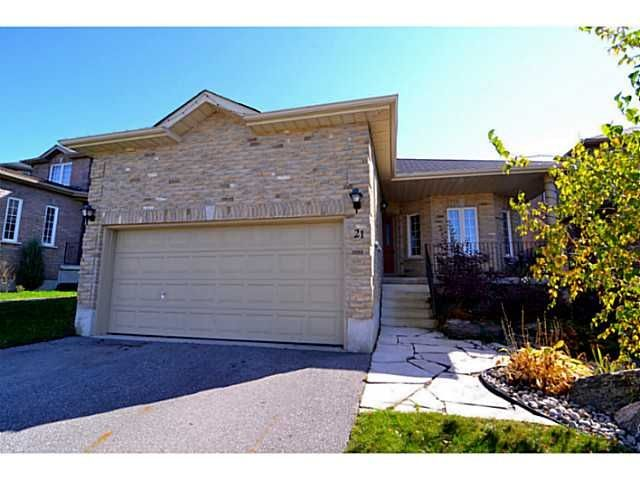WELCOME TO THIS SPECTACULAR 3.1 BEDROOM BUNGALOW LOCATED CLOSE TO SCHOOLS SHOPPING WITH EASY ACCESS TO HWY 400. NEWER ENGINEERED HARDWOOD FLOORING. 9 FT CEILINGS. EXCEPTIONAL PROFESSIONALLY ...