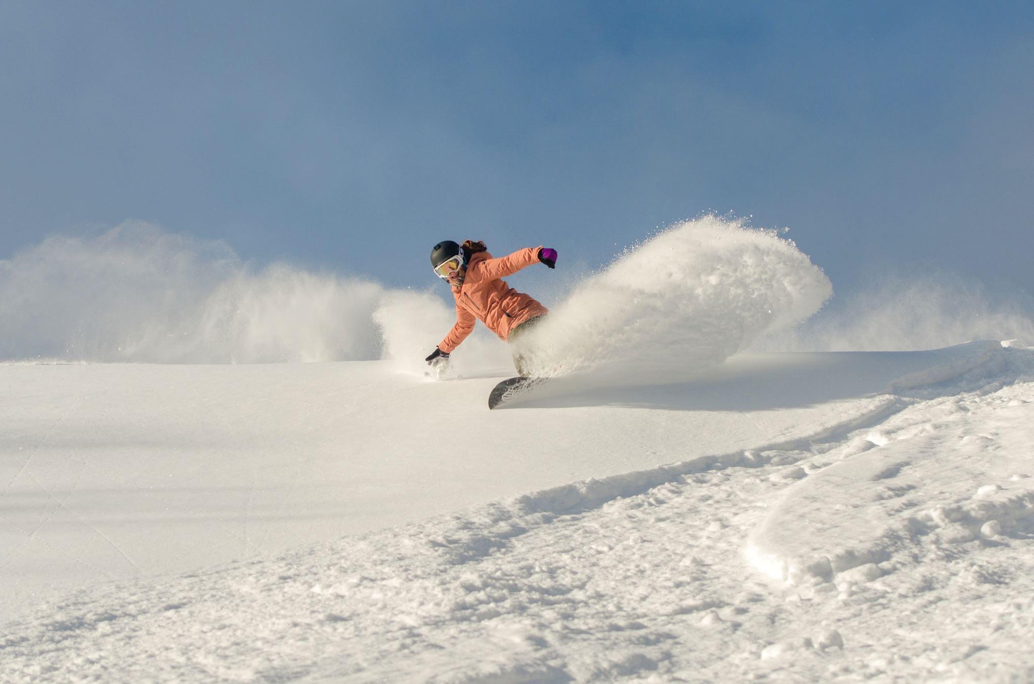 Powder Snowboarding, Snowboard, Skiing