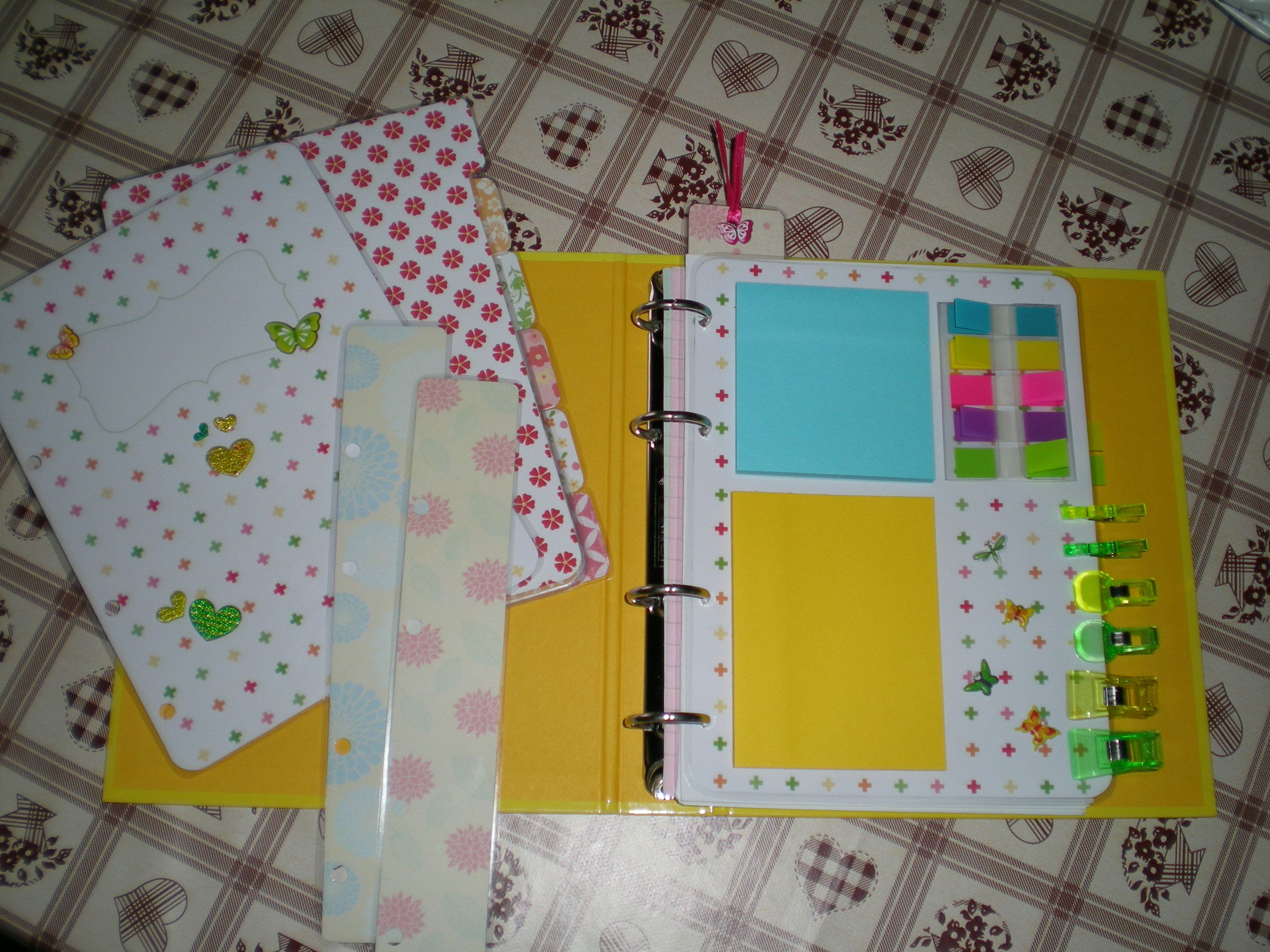 How to make your own planner essentials (cover page, dashboard, tabbed dividers, bookmarks).