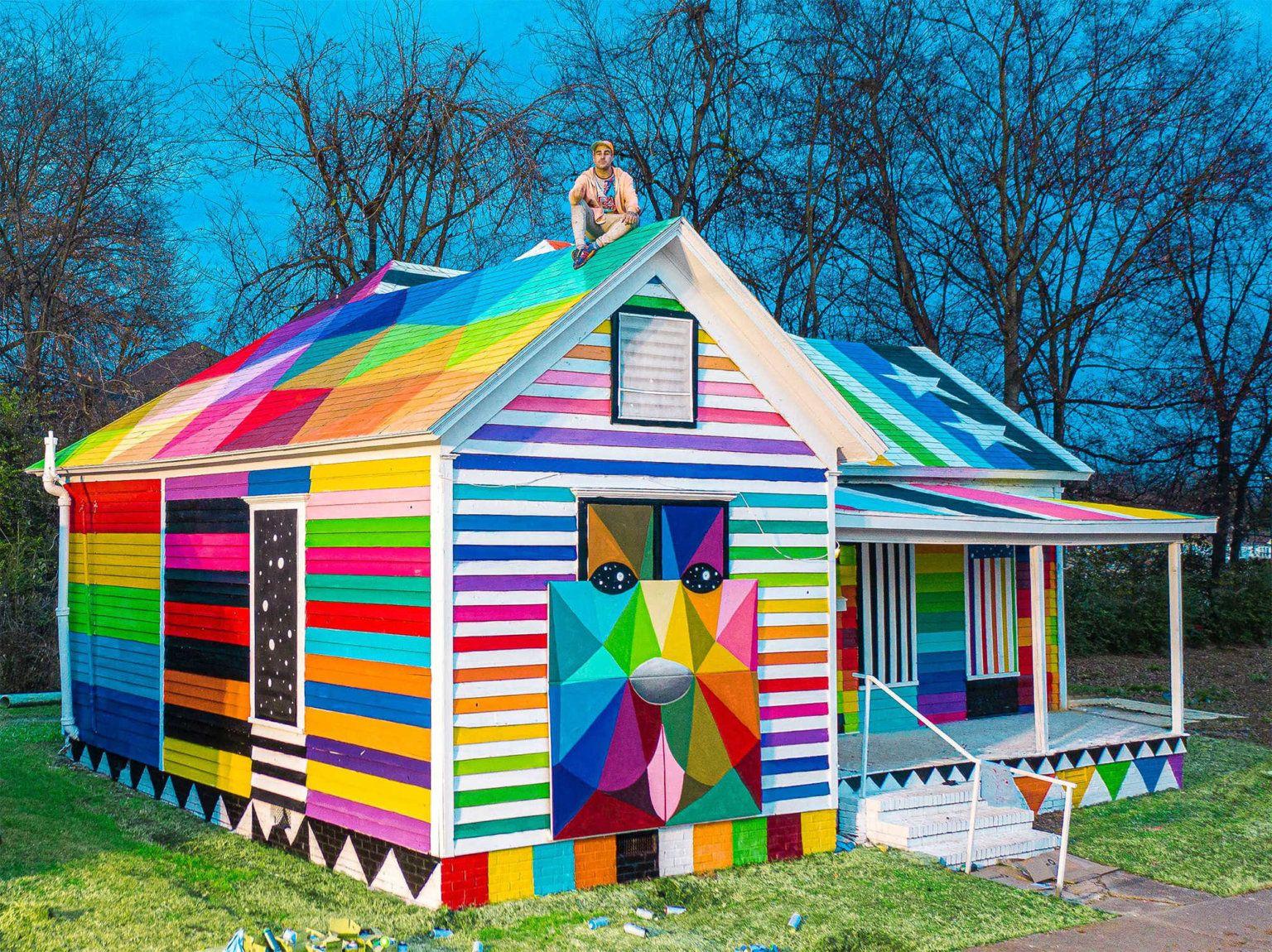 Colores Y Formas Geometricas Transforman Una Casa Abandonada Por