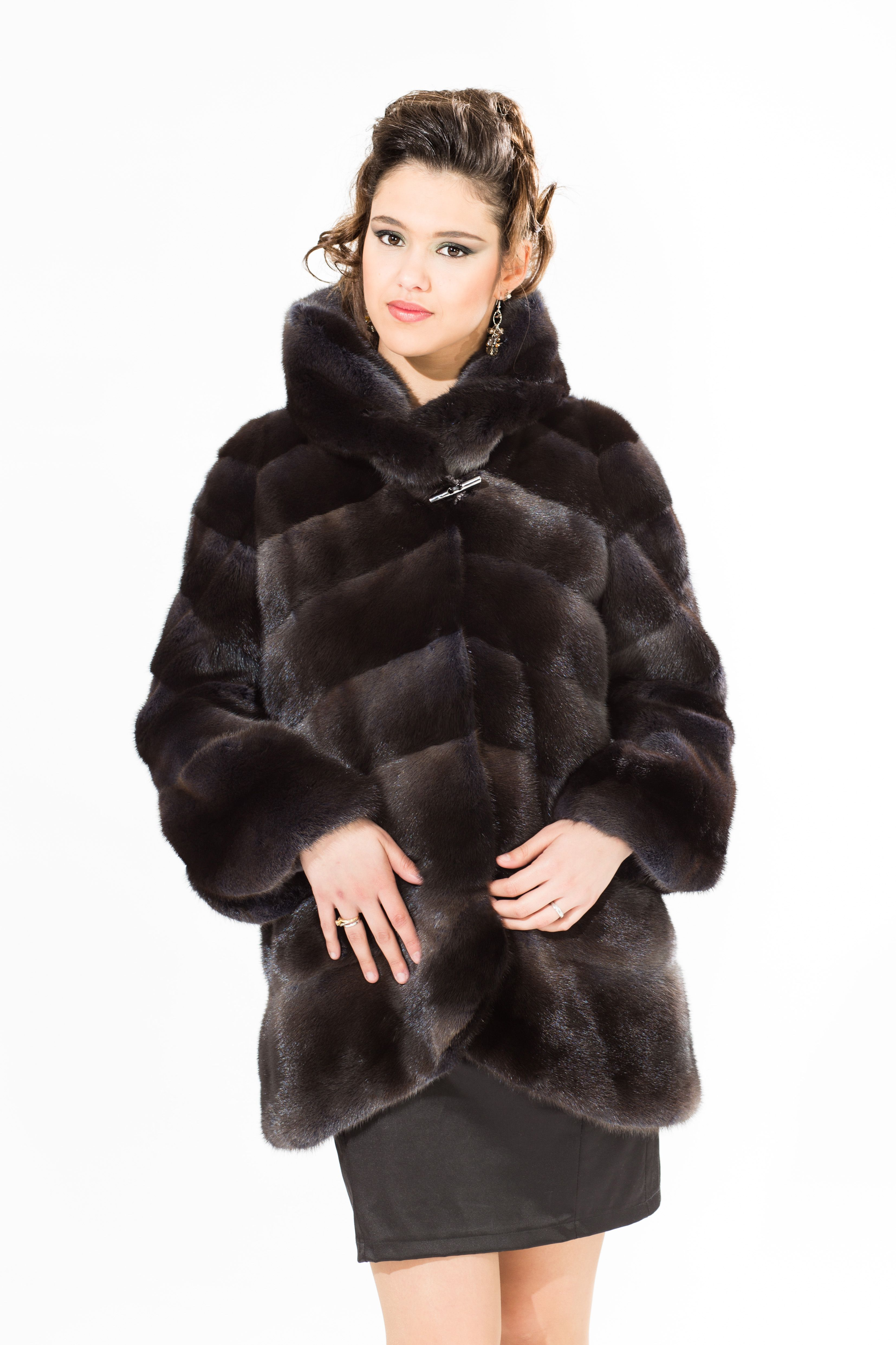 Fur coats from cropped beaver: models, tips on choosing. How to clean a fur coat from a short-haired beaver 41
