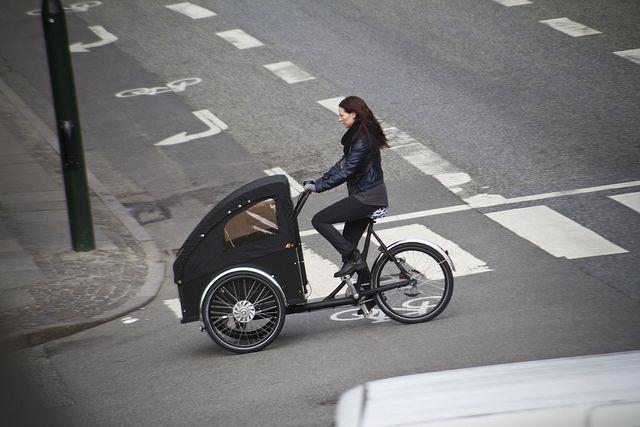 cargo bike love.